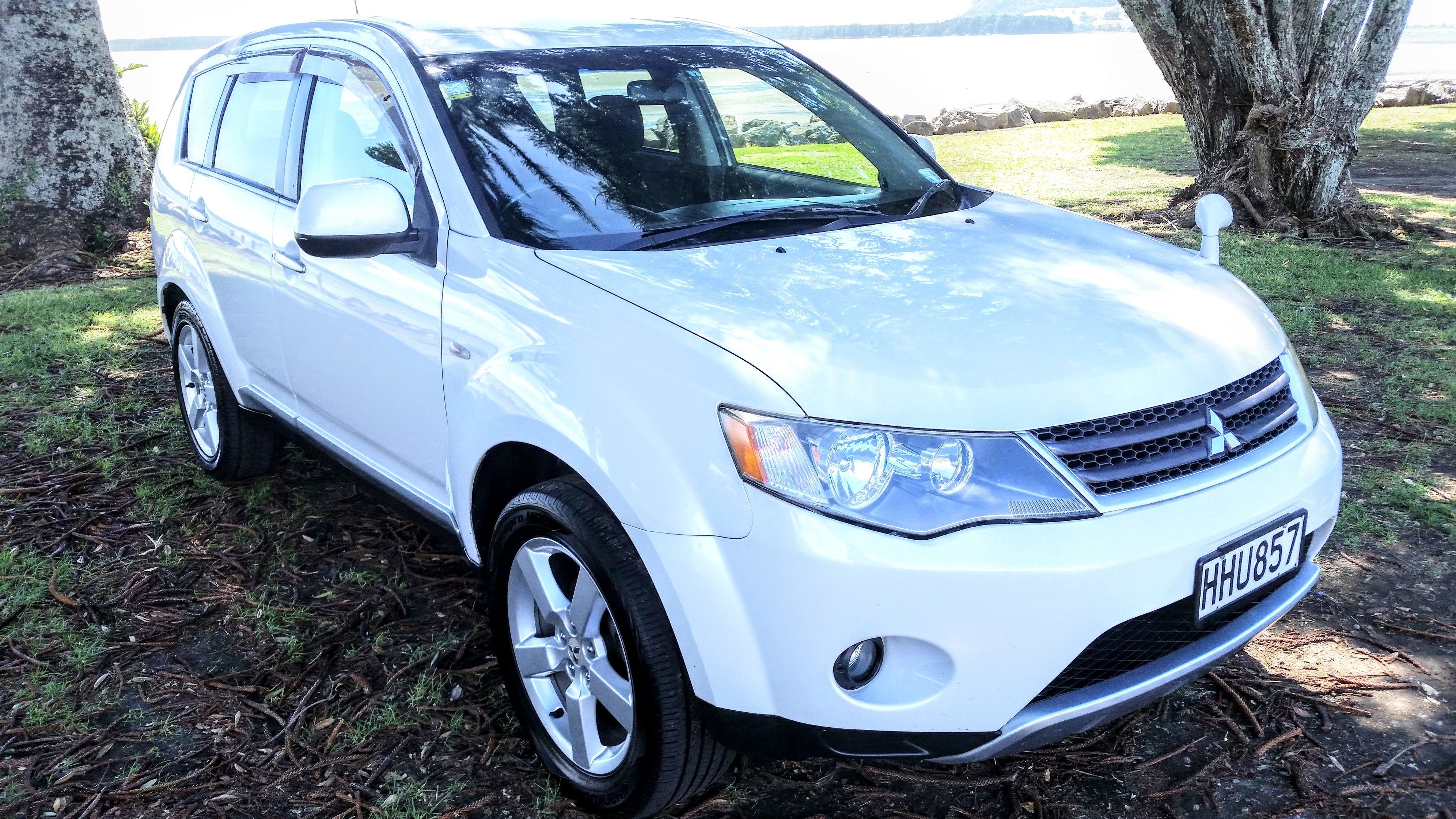 mitsubishi outlander 4wd 2006 gfm autos. Black Bedroom Furniture Sets. Home Design Ideas